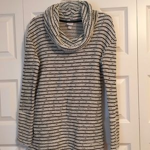 Sweater tunic with cowl neck